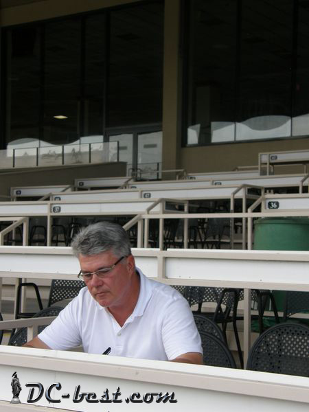 Джон at Colonial Downs