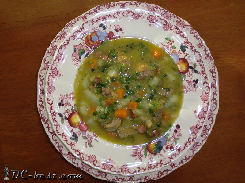 Суп из зеленой чечевицы с говядиной, ветчиной и копчеными колбасками