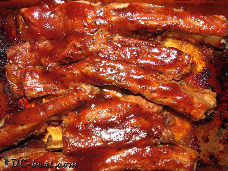 Свиные ребрышки запеченные в духовке под соусом BBQ