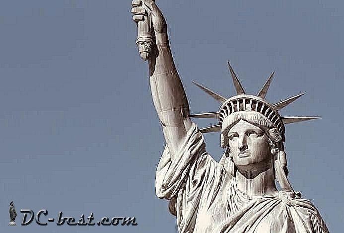 Куда смотрит Статуя Свободы?